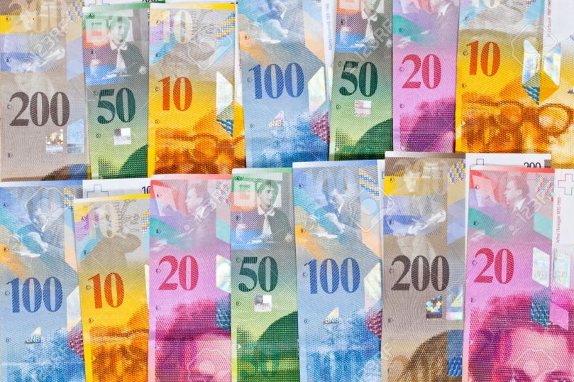 8361903-Bills-of-Swiss-Money-Francs-with-10-20-50-100-and-200-Bills-Stock-Photo.jpg